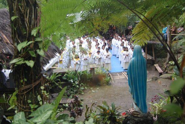 Natal Petani Merapi di Gua Maria Tuking Katentreman