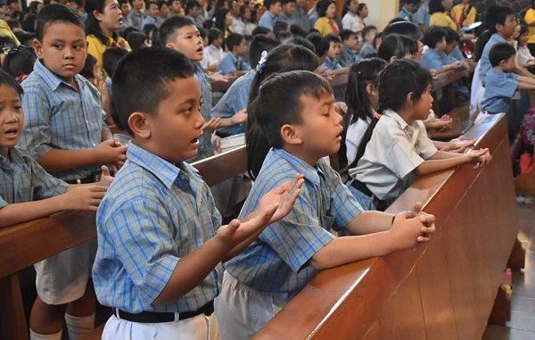 Kemeriahan Perayaan Natal Sekolah Katolik Santo Antonius Jakarta
