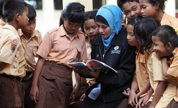 Guru PNS di Sekolah Swasta Ditarik